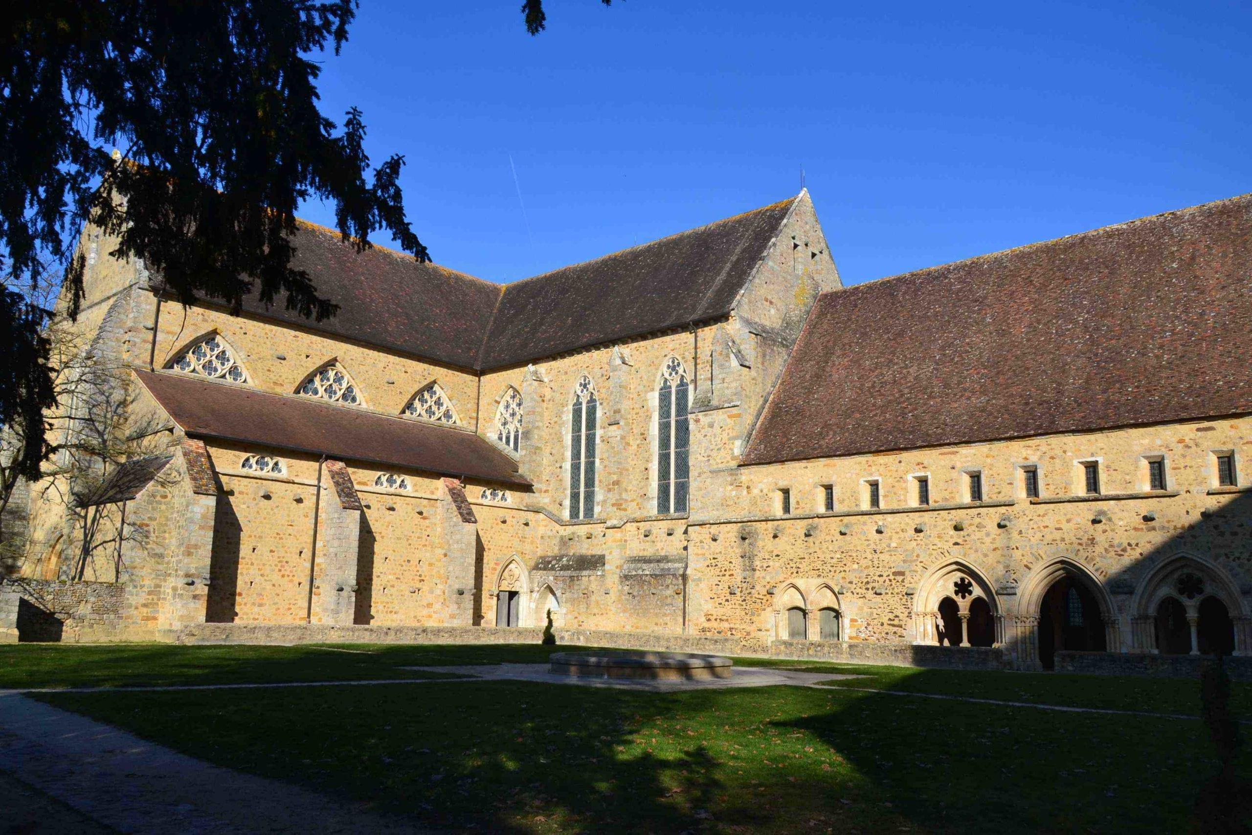 cloitre de l'abbaye de l'epau