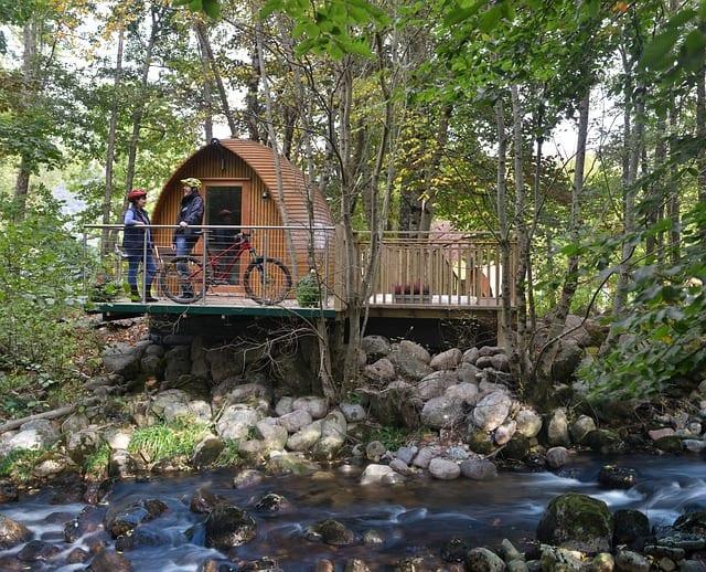 cabane sur l'eau insolite