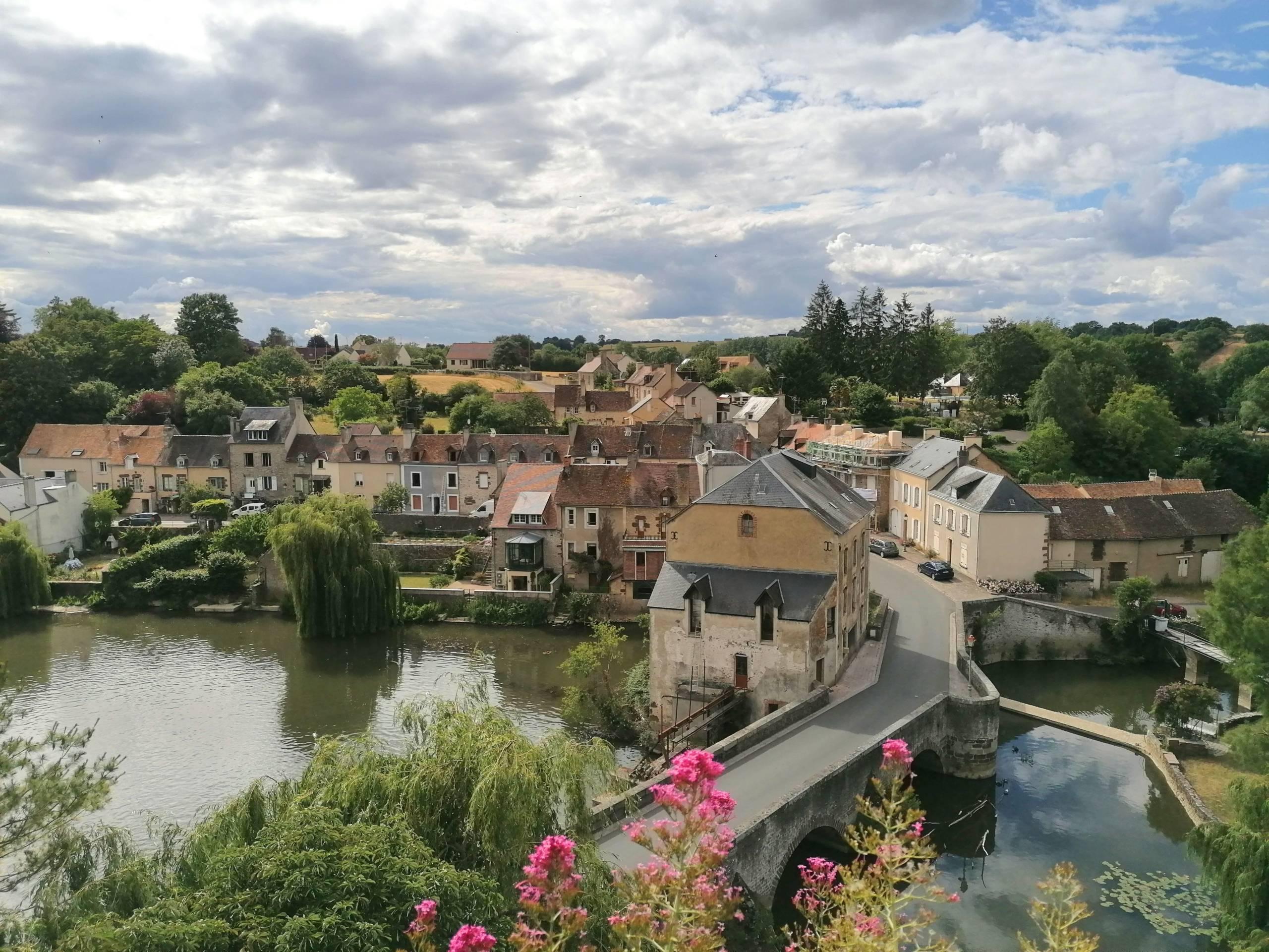 Fresnay-sur-Sarthe village à visiter
